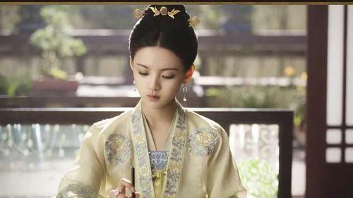 艺人网络影响力榜:肖战自带流量排第五,《琉璃》男女主差距大